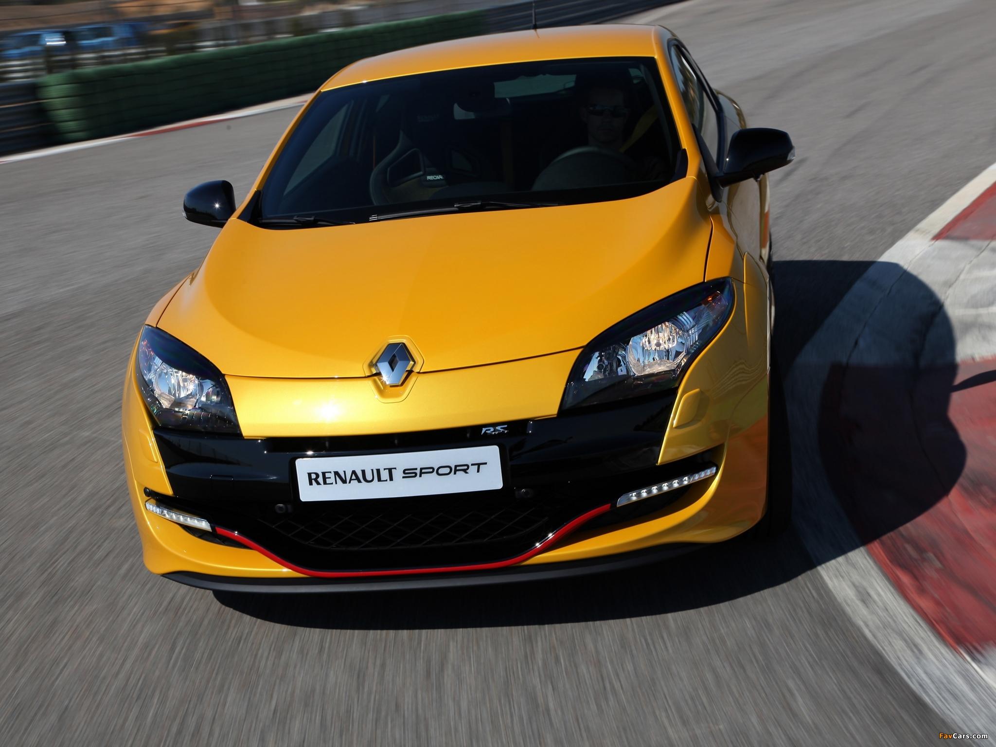 Почему запотевают фары Renault Megane III