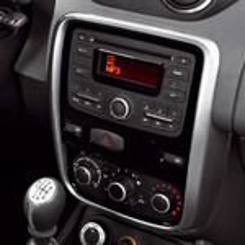 Штатная магнитола Renault Duster не читает треки с «флешки» фото