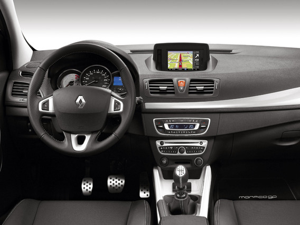 Как снять штатную магнитолу Renault Megane III