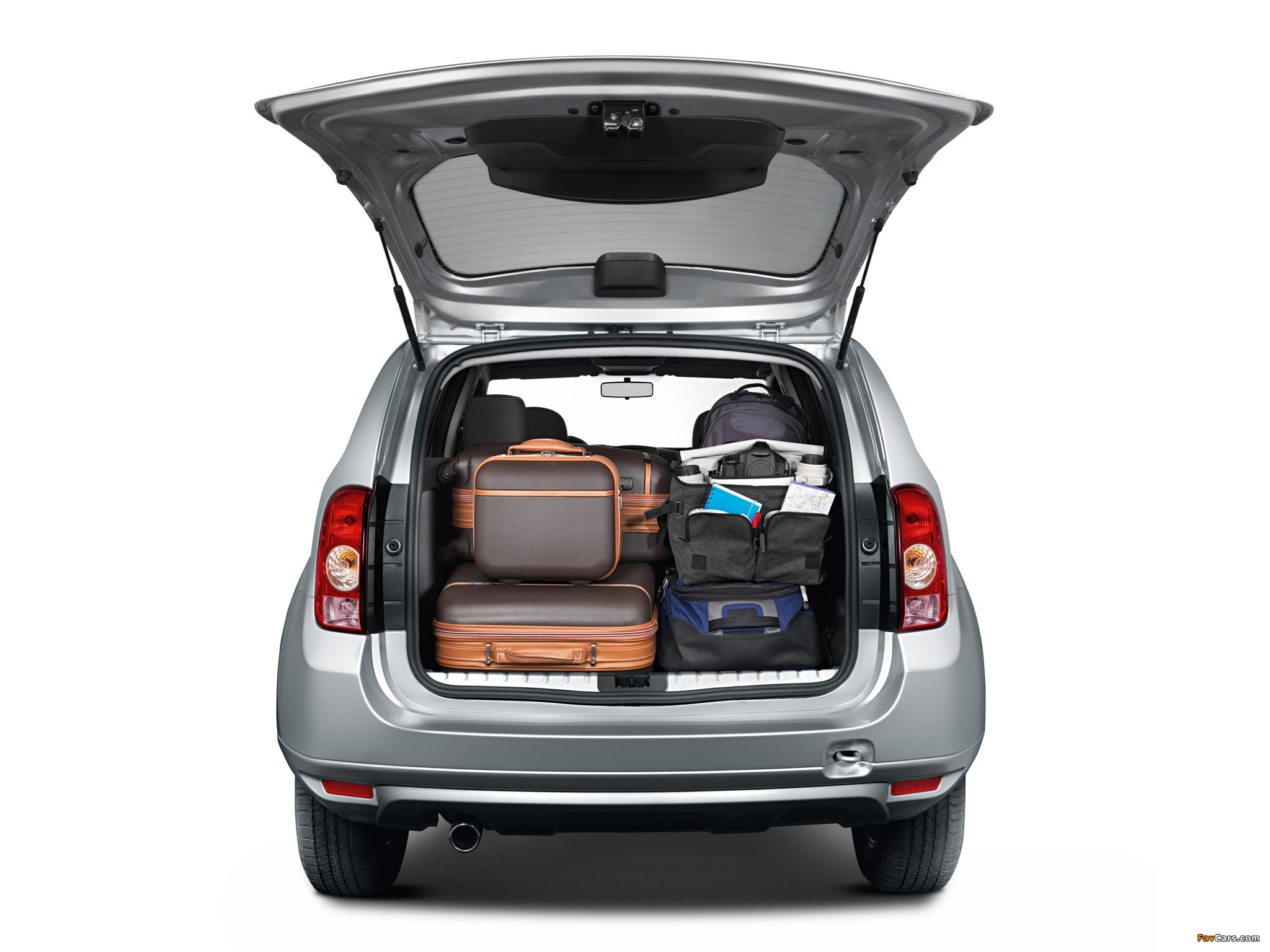 Вода в боковой нише багажника Renault Duster