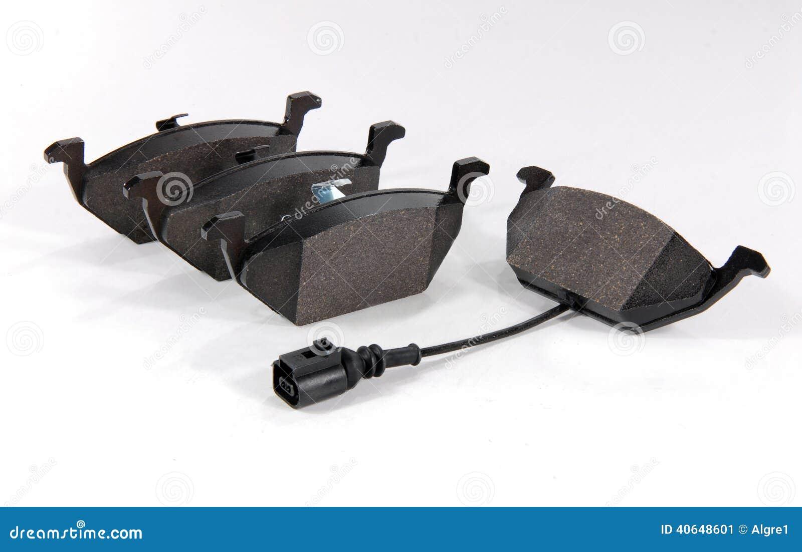 Сработал датчик износа задних тормозных колодок BMW 5 E60 после их замены на новые