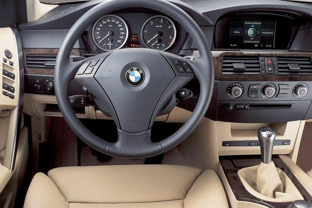Показатели по скорости разгона, максимальной скорости и расходу топлива у различных версий BMW 5 E60