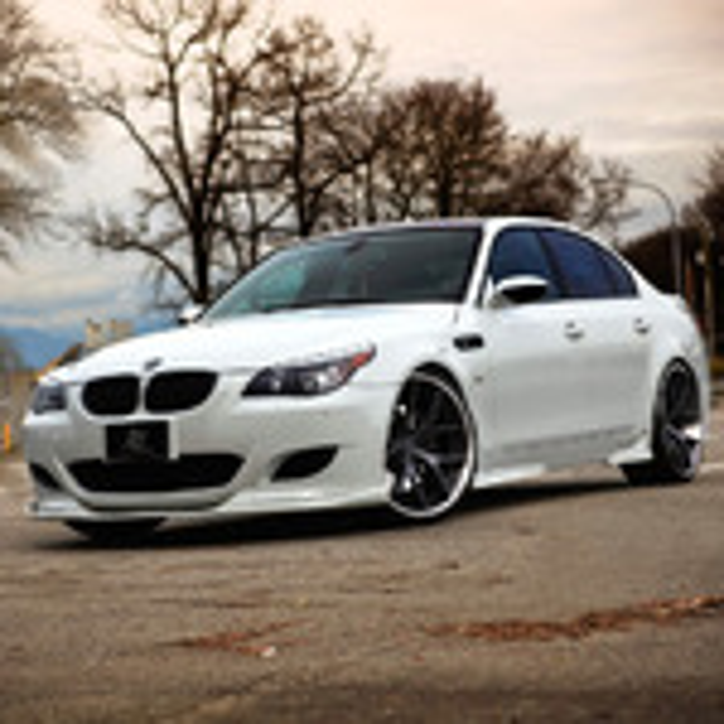 Какие характеристики фары BMW 5 E60 нужно знать, чтобы не ошибиться при замене фото