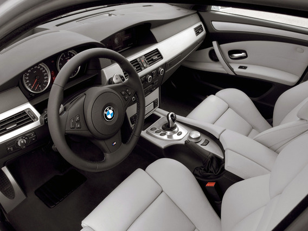 Можно ли установить доводчики на двери BMW 5 E60