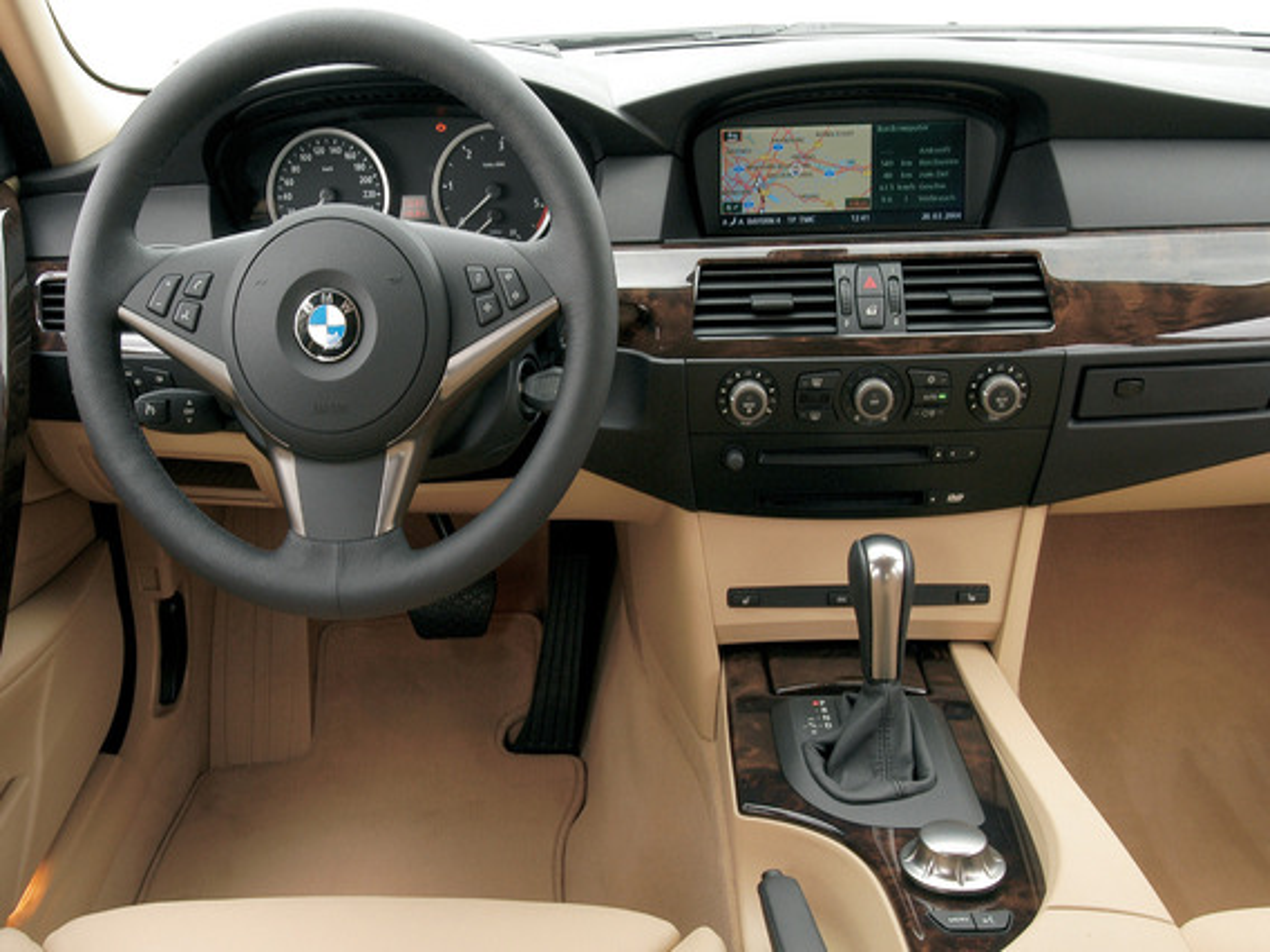 Некорректно работает датчик положения руля в BMW 5 E60