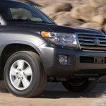 Отличия рестайлинговой версии Toyota Land Cruiser 200 фото