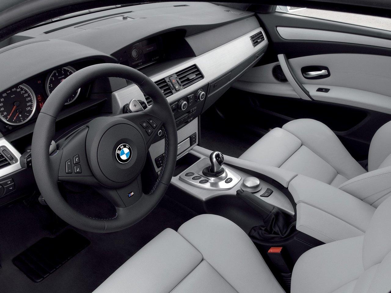 Дребезжание в приборной панели BMW 5 E60
