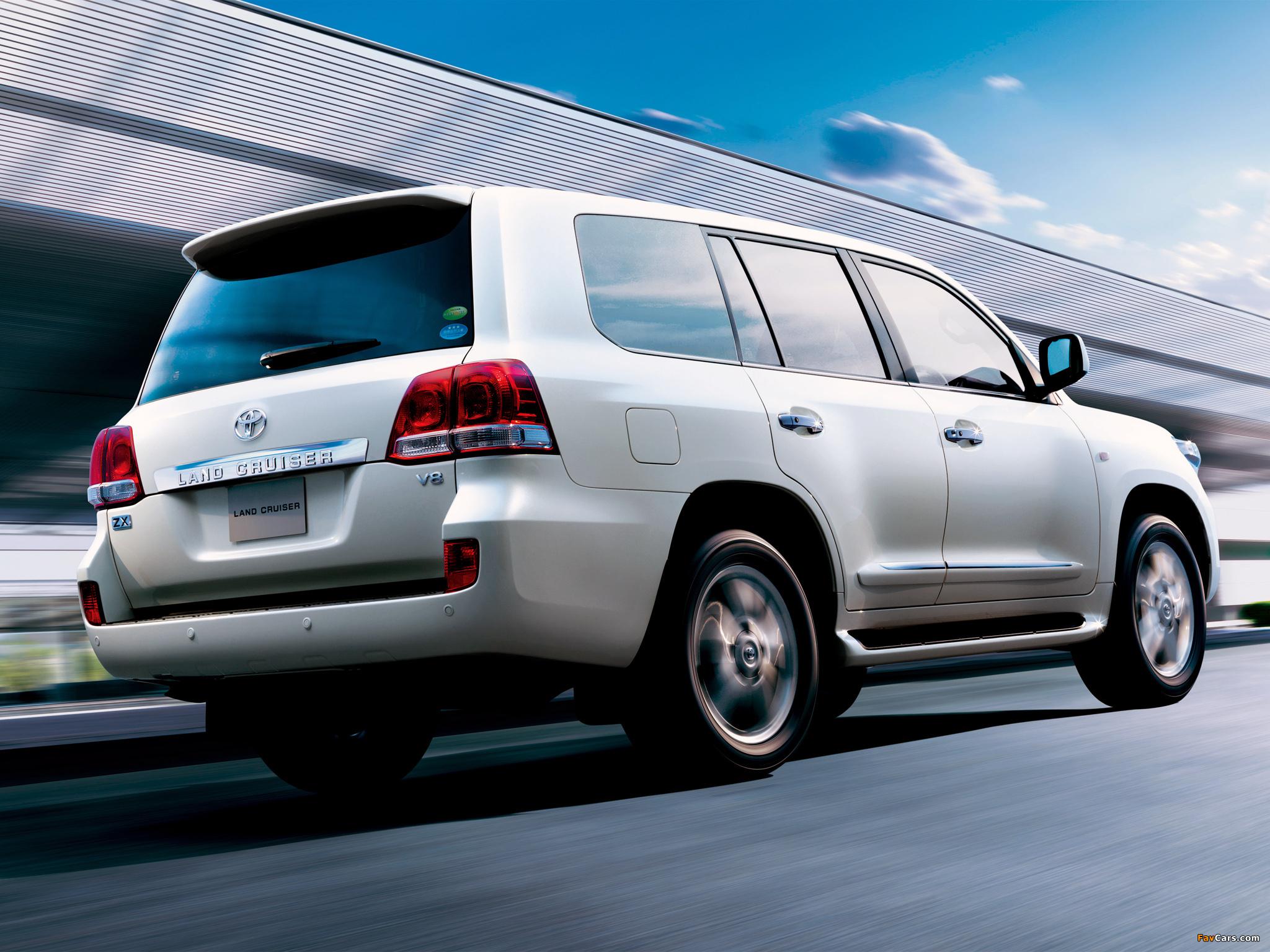 На что обратить внимание при покупке б/у Toyota Land Cruiser 200?