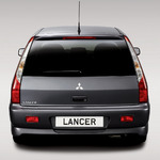 Что нужно регулярно смазывать на Mitsubishi Lancer 9? фото