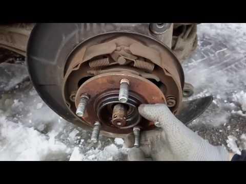 Замена шпилек крепления колеса на Mitsubishi Lancer 9