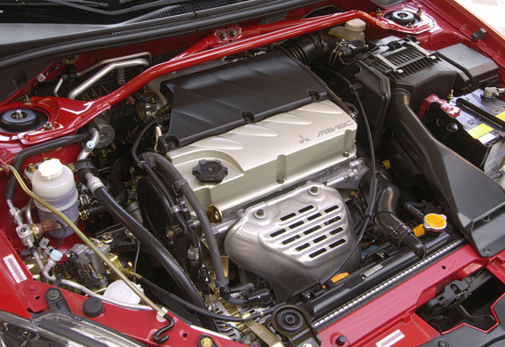 Установка газовых упоров капота на Mitsubishi Lancer 9