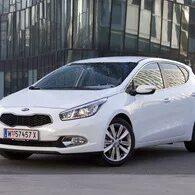 Грязь и влага внутри противотуманных фар Kia Ceed 2 фото