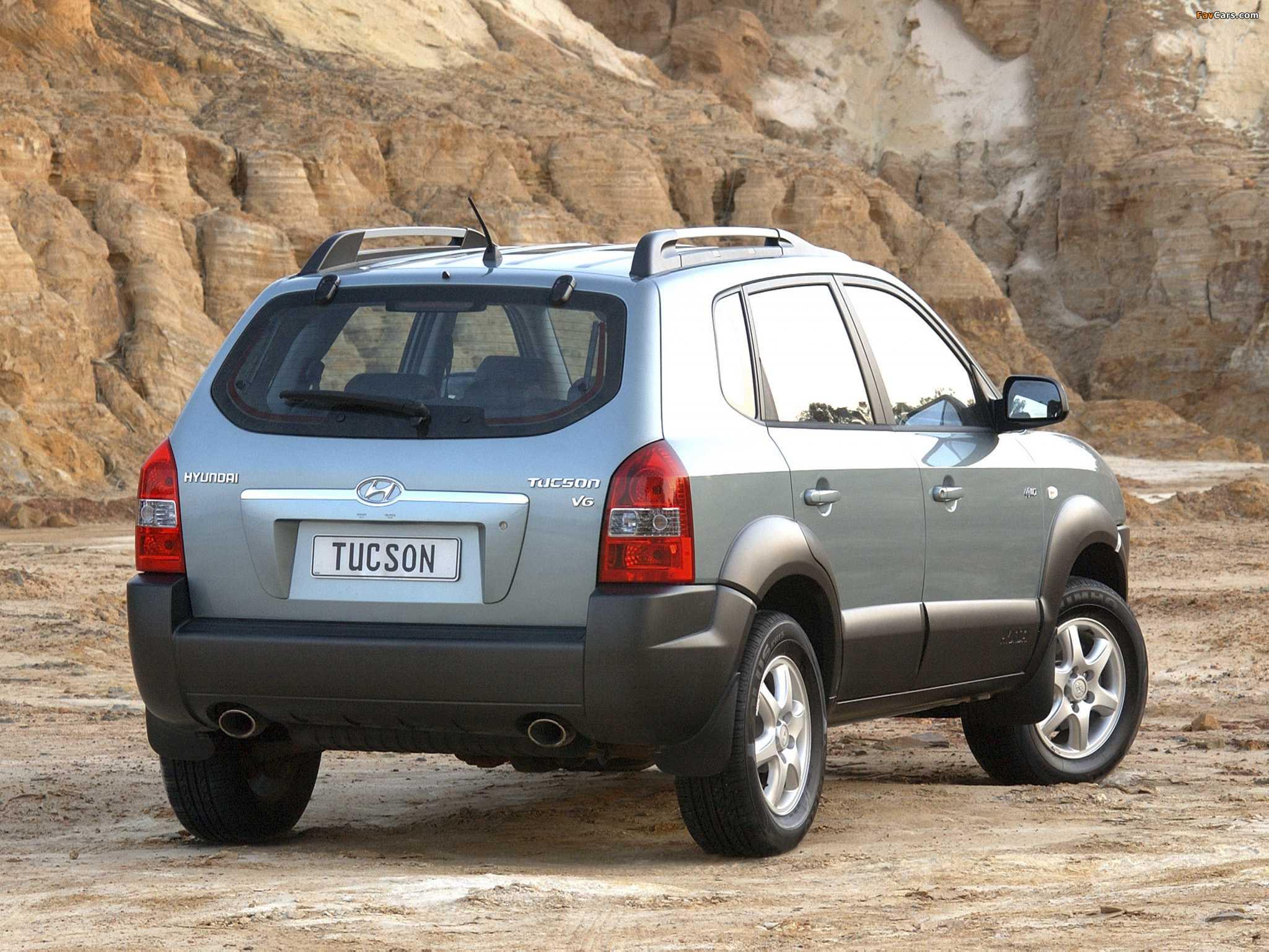 Спинка заднего сиденья в Hyundai Tucson не ложится горизонтально, а остается под углом