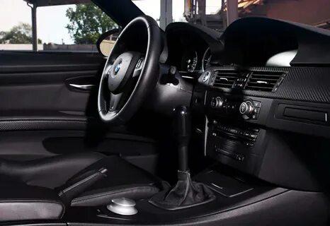 При включении кондиционера в салоне BMW 3 E90 появляется неприятный запах