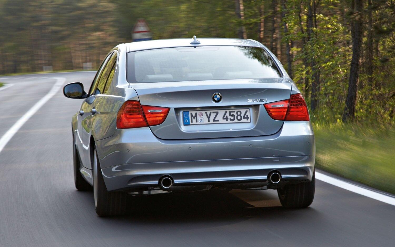Какие ограничения есть в работе системы PDC (сигнализации аварийного сближения при парковке) BMW 3 E90