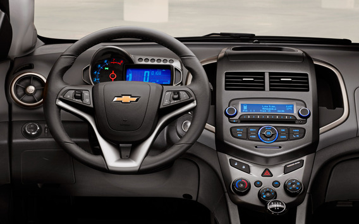 Где кнопка стоп/пауза у штатной магнитолы Chevrolet Aveo 2?