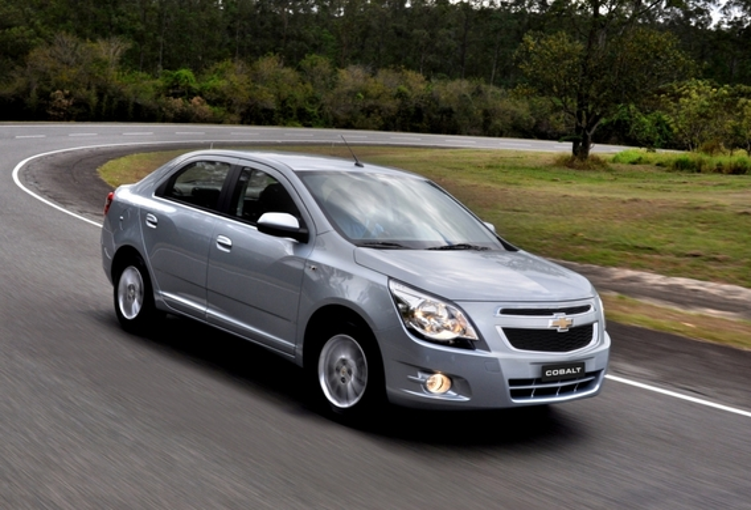 Расположение информационных табличек на Chevrolet Cobalt