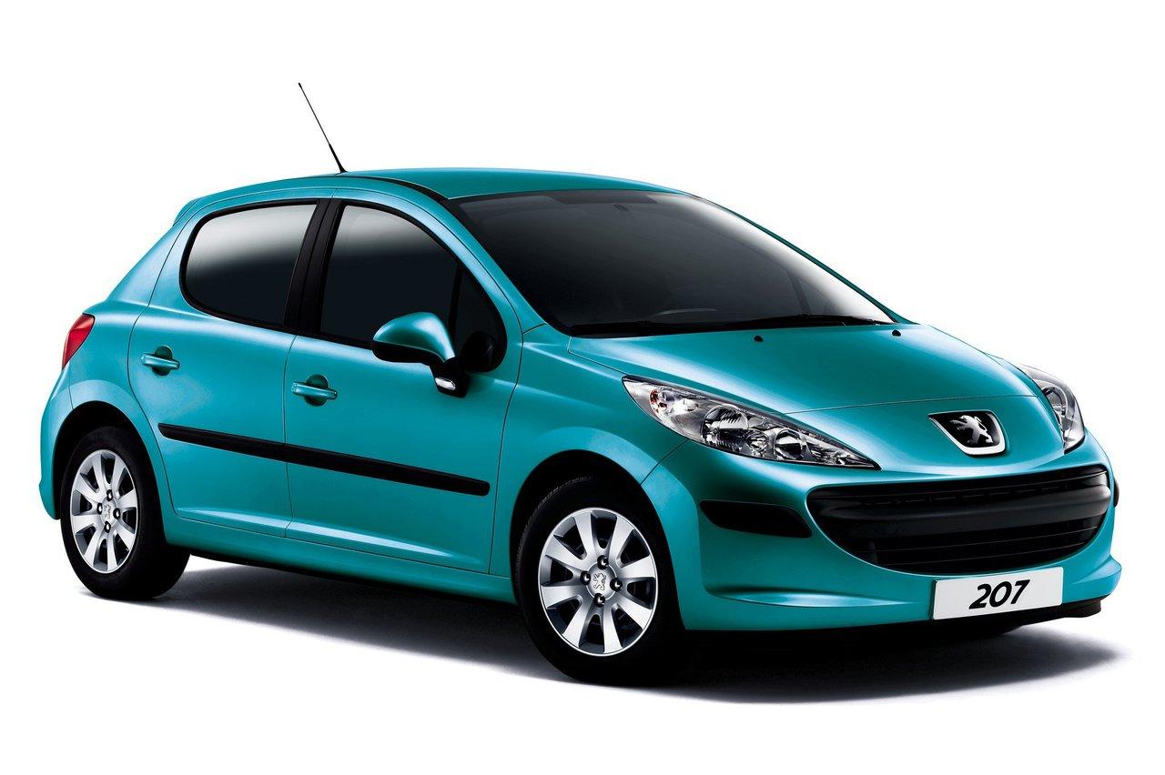 При запуске двигателя Peugeot 207 в самом конце раздается скрежет