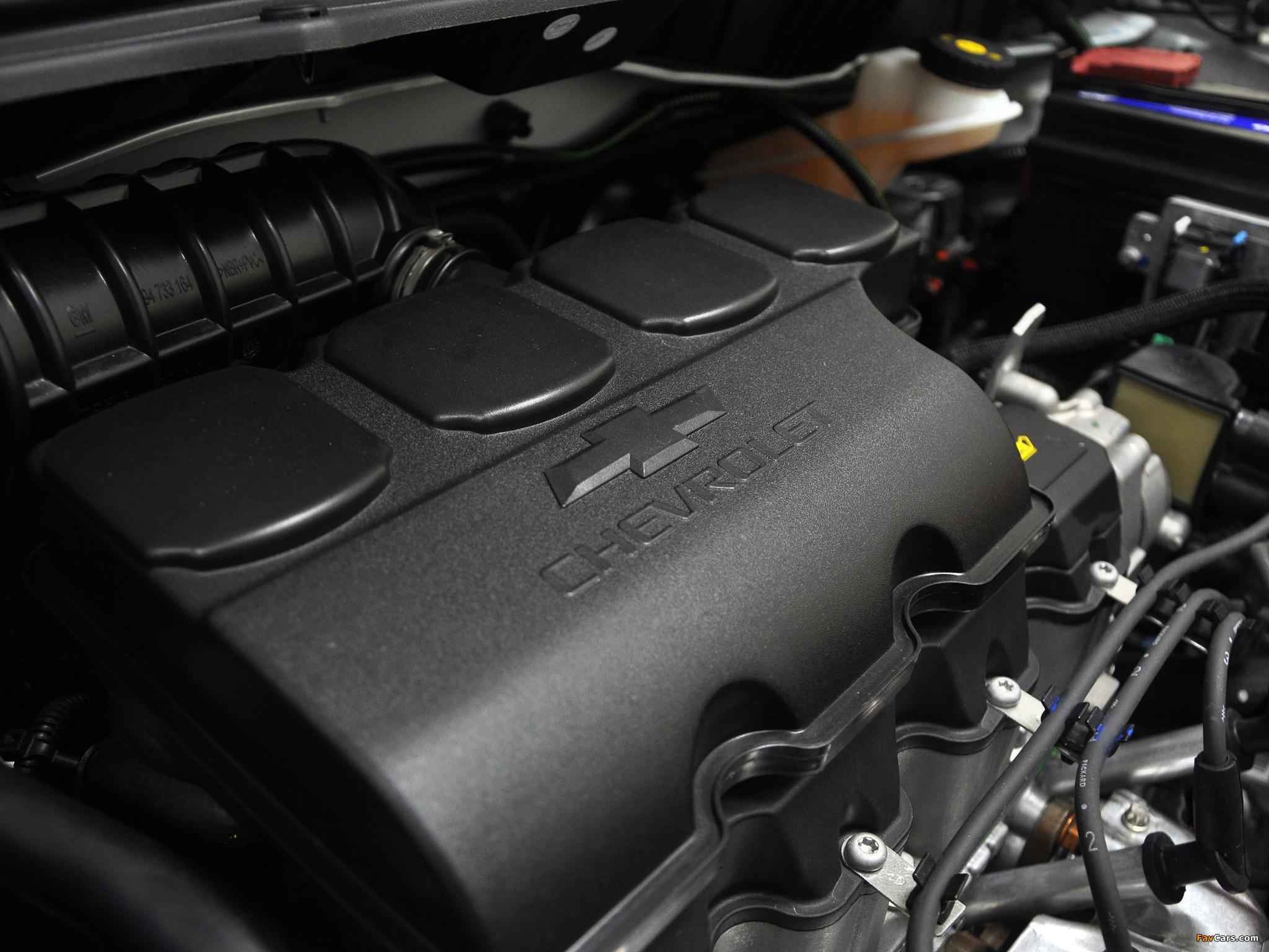 Проверка и очистка клапана системы вентиляции картера на Chevrolet Cobalt