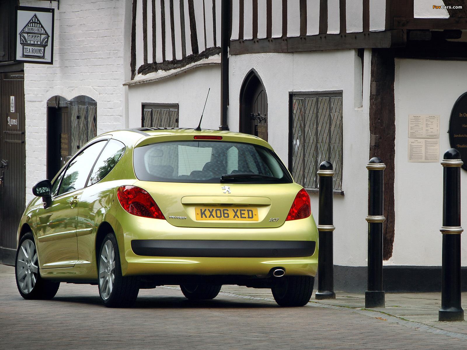 В Peugeot 207 не открывается багажник