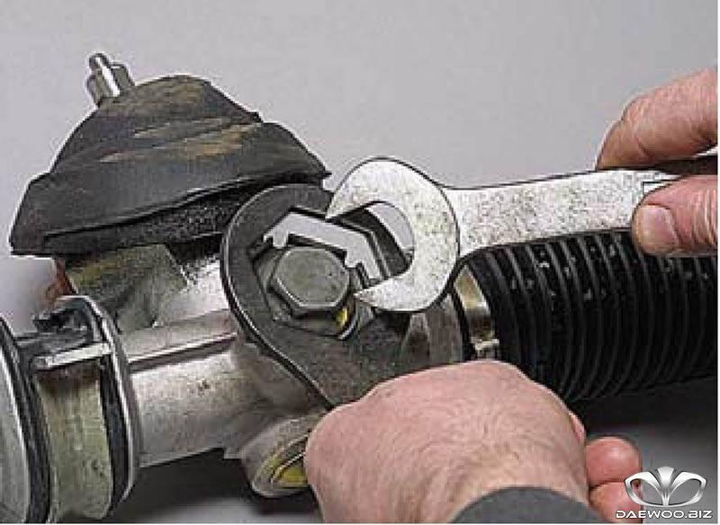 Регулировка зазора рулевого механизма без гидроусилителя на Daewoo Matiz