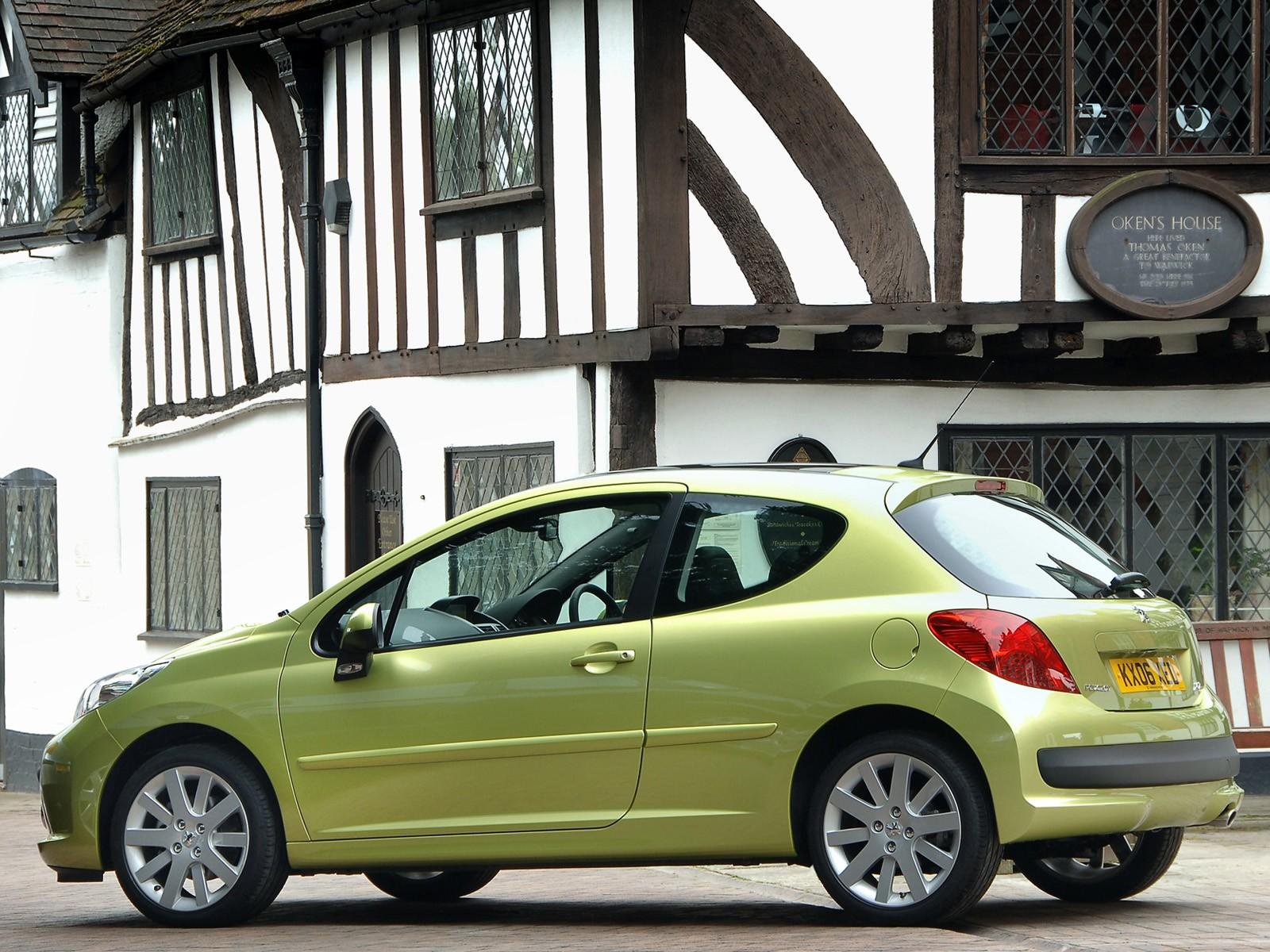 Скрип в багажнике Peugeot 207  при проезде неровностей