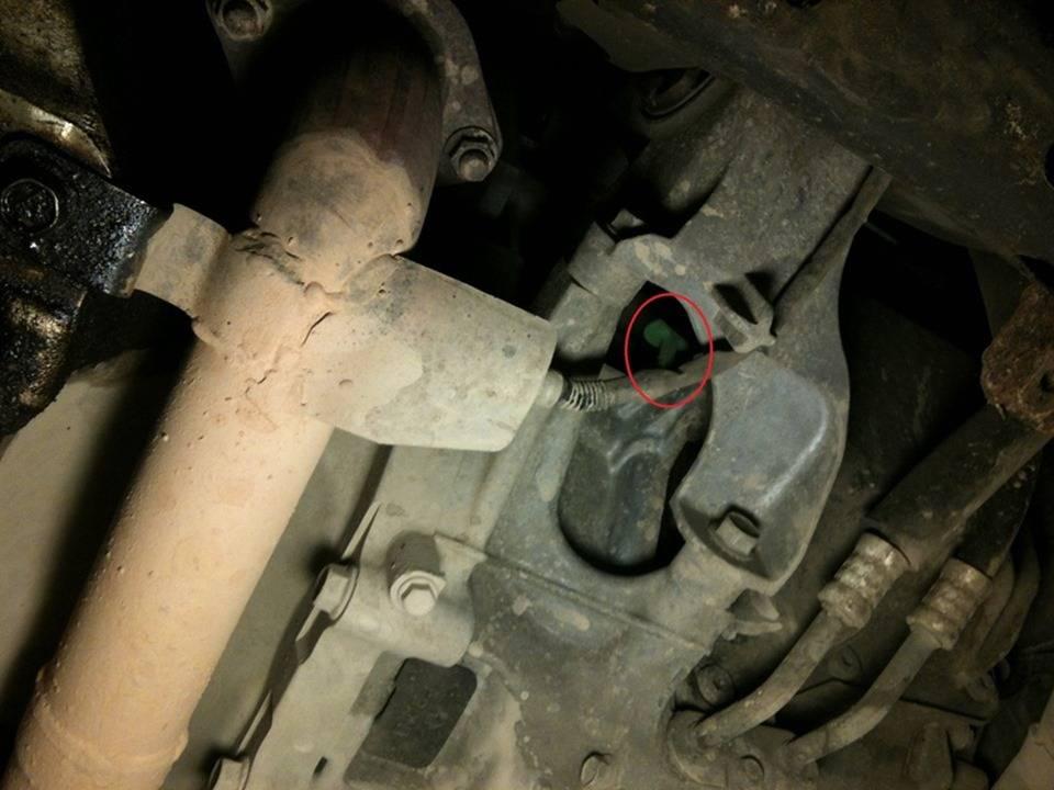 Проверка уровня трансмиссионной жидкости в АКПП Chevrolet Captiva