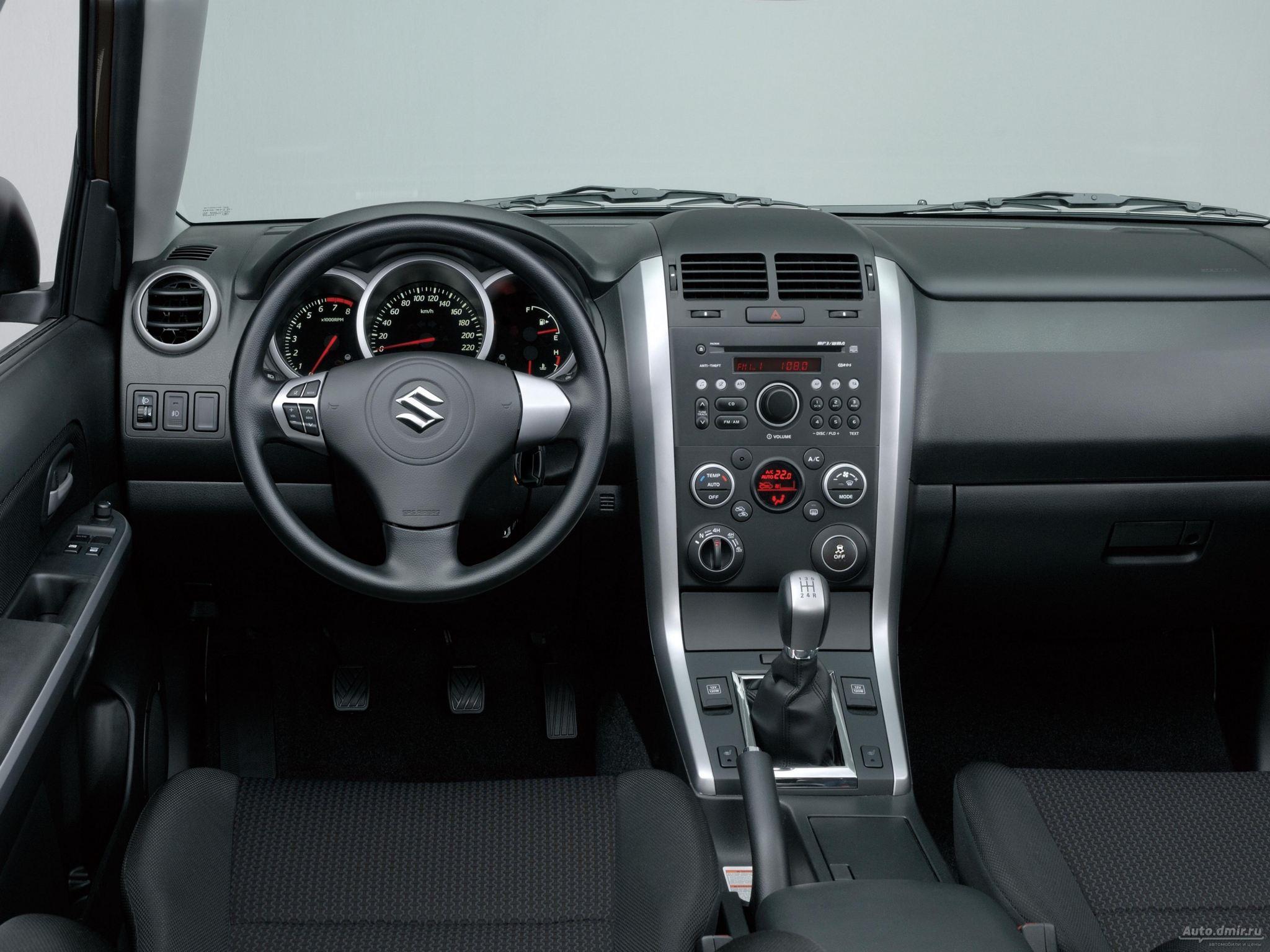 Снятие панели приборов на Suzuki Grand Vitara II
