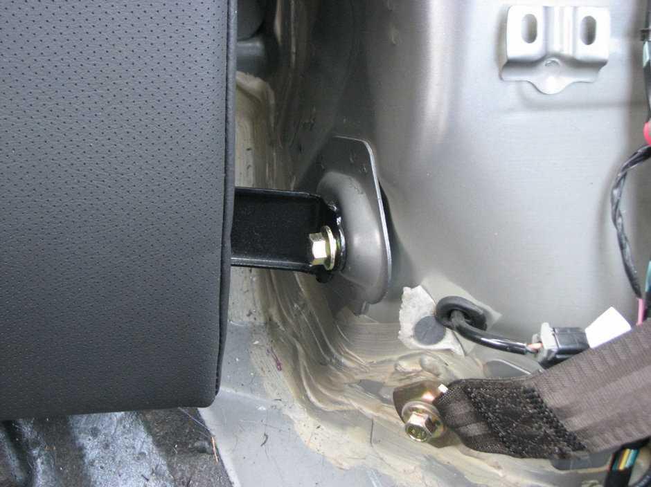 Скрип водительского сиденья на Suzuki Grand Vitara II