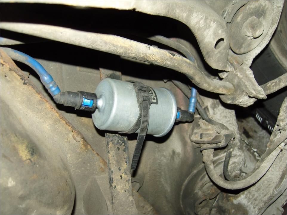 Замена топливного фильтра на дизельном Opel Vectra В 2,0 л
