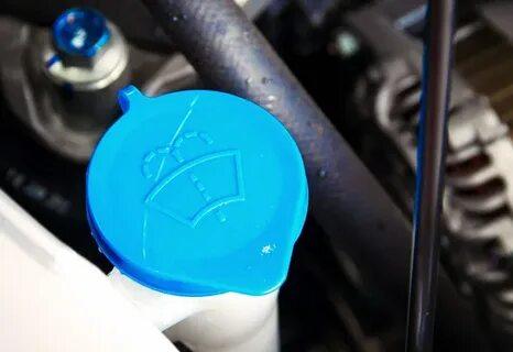 При нажатии на кнопку стеклоомывателя LADA Kalina жидкость льется не сразу