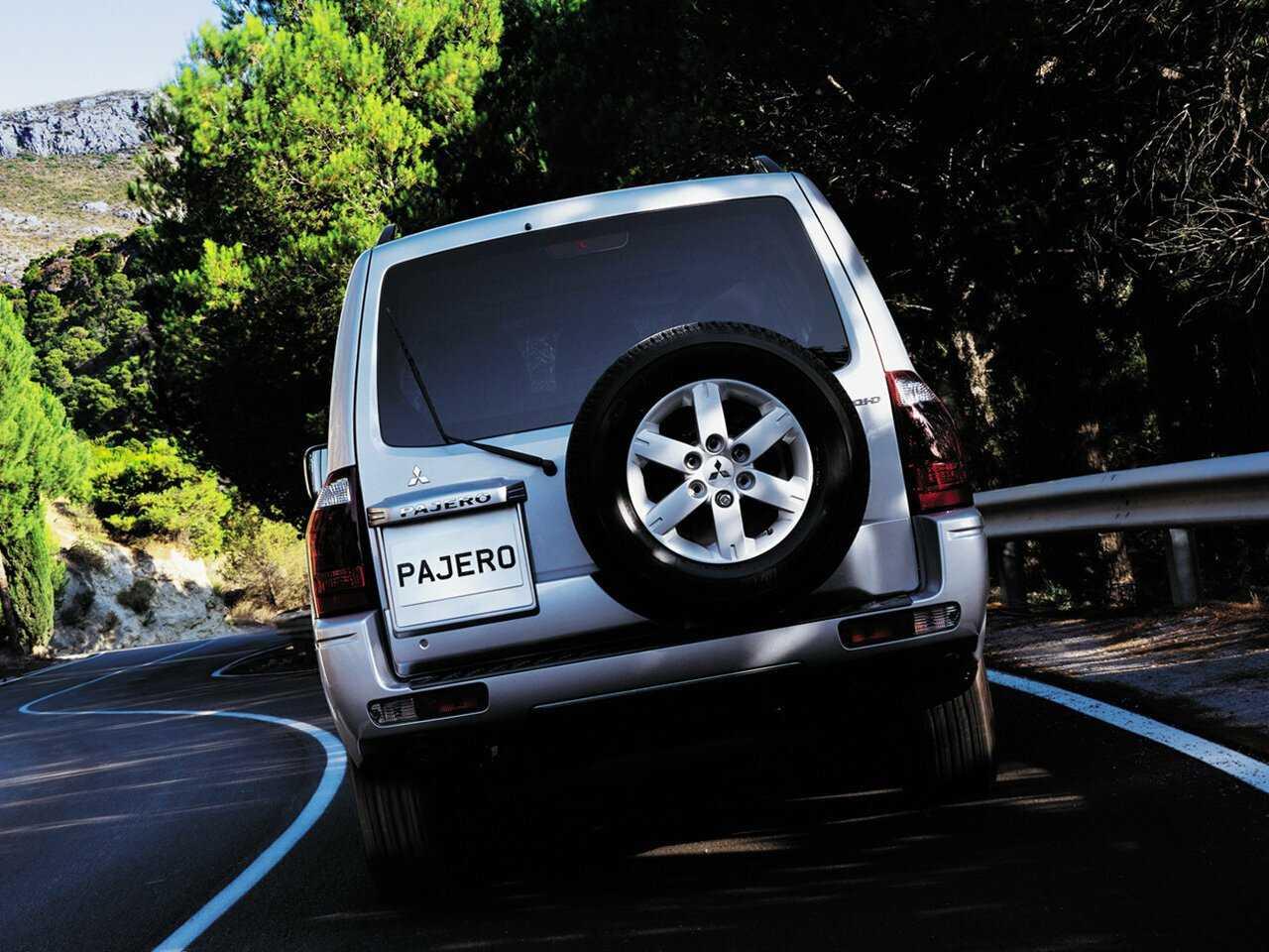 Замена топливного фильтра на дизельном Mitsubishi Pajero 3