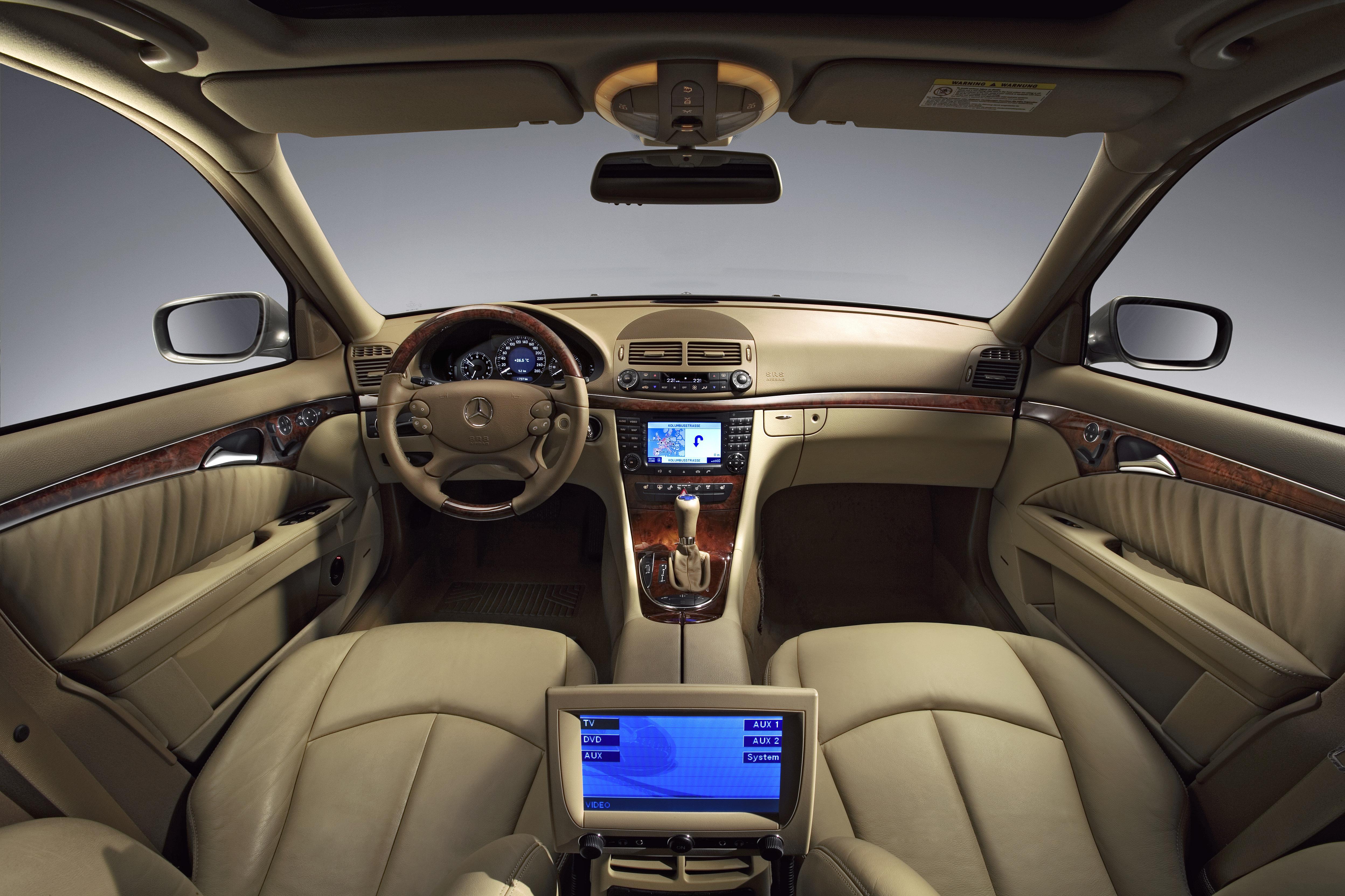 Можно ли обновить навигационную систему Mercedes E-Class (W211)