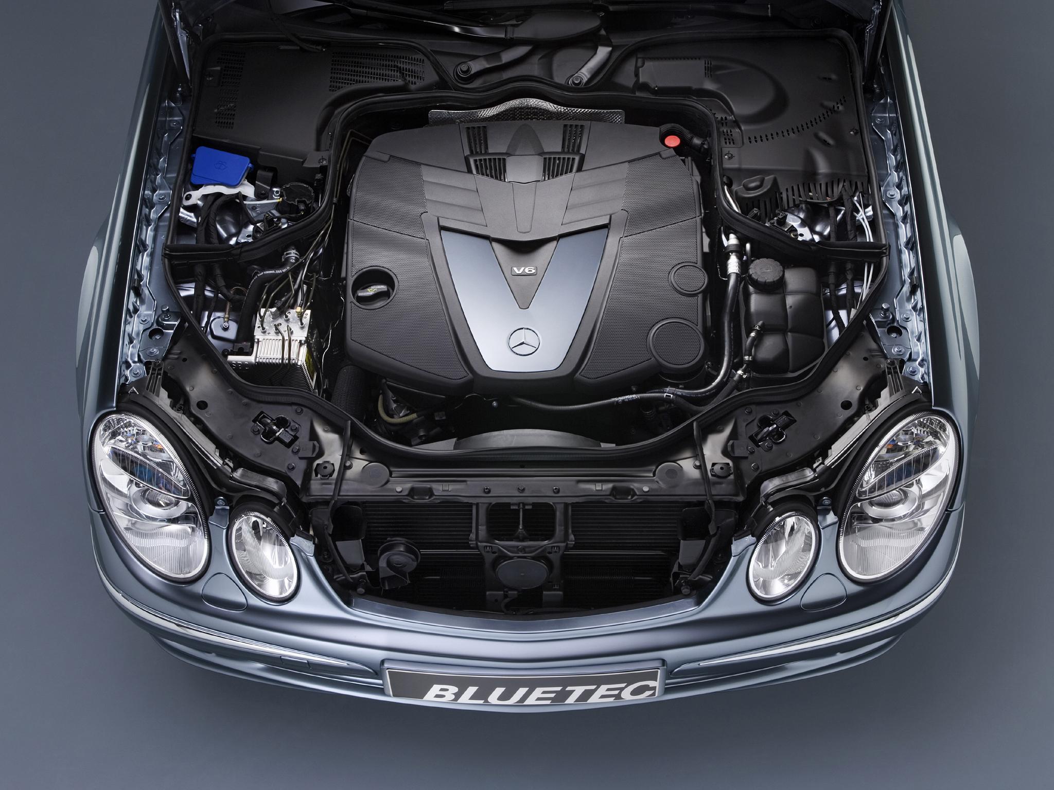 Где располагаются подушки безопасности в Mercedes E-Class (W211) и как они срабатывают