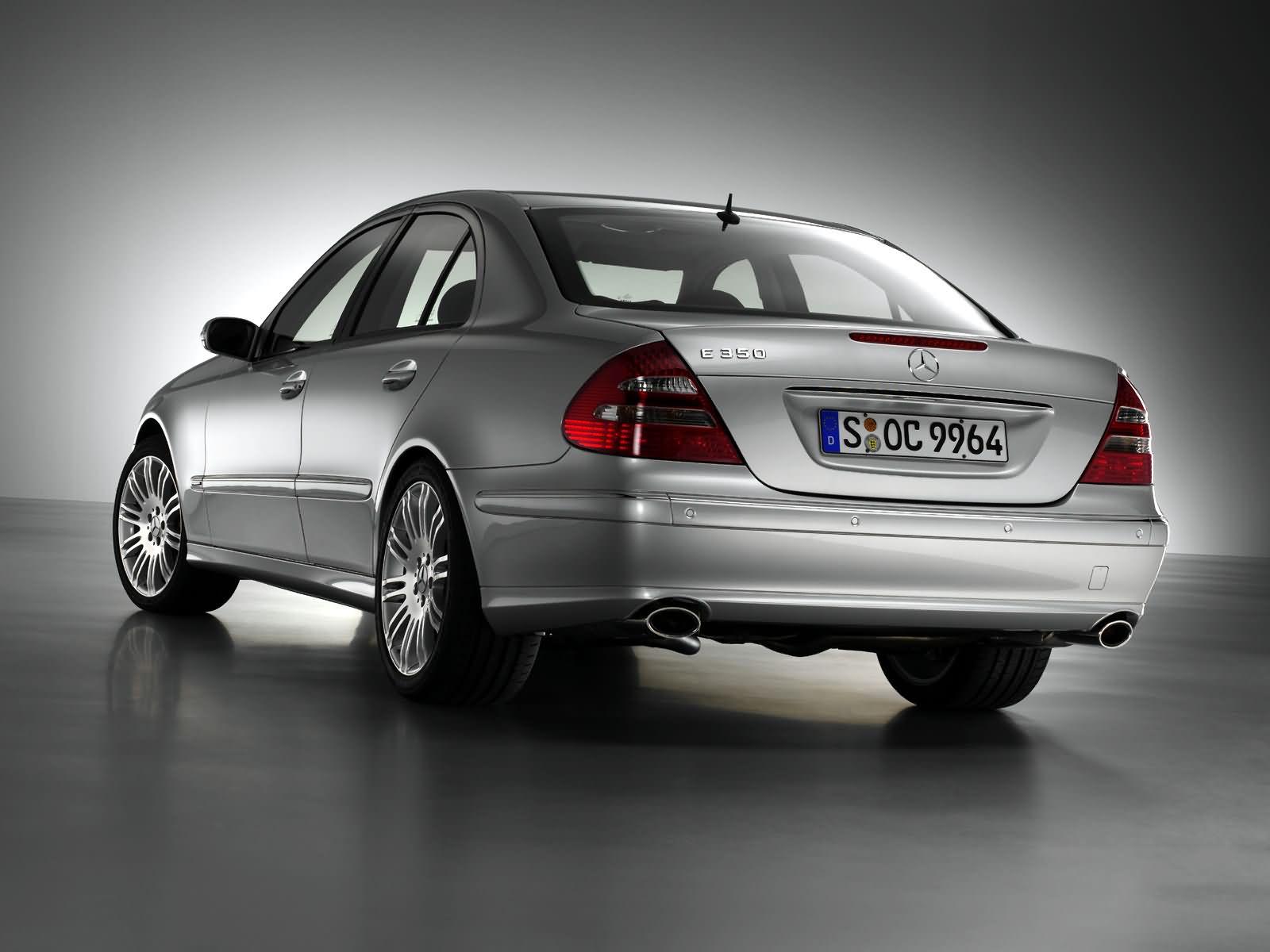Каково назначение системы «Дистроник» (Distronic) на Mercedes E-Class (W211)