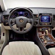 Функции меню «Автомобиль» в информационной системе Volkswagen Touareg II (NF) фото