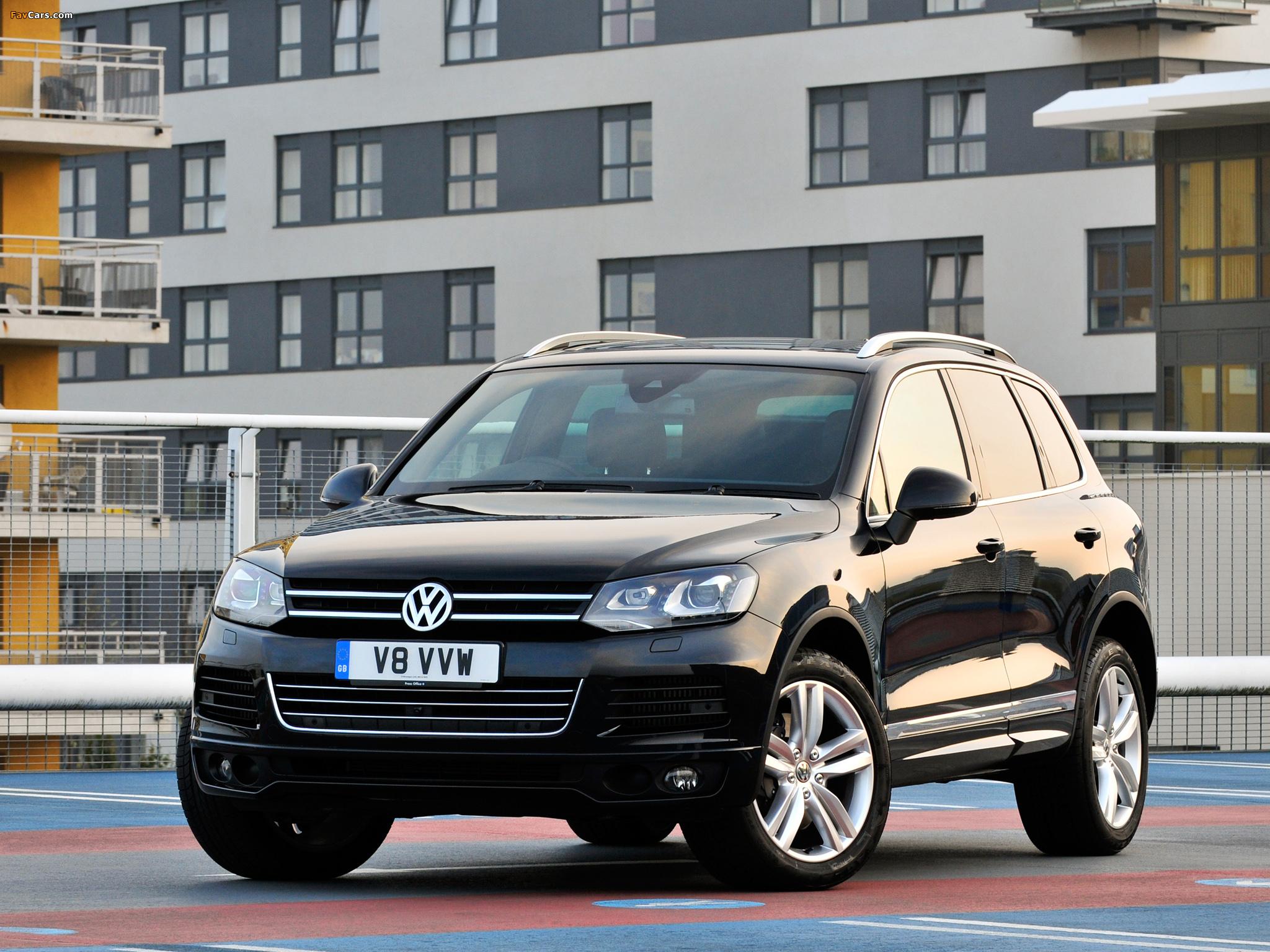 Как включить адаптивный свет и автоматическое управление дальним светом на Volkswagen Touareg II (NF)?