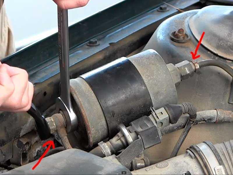 Удаление воды из топливного фильтра дизельного Volkswagen Touareg II (NF)