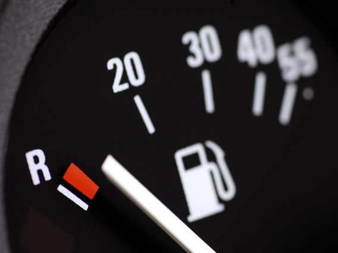 Не соответствует показаниям уровень топлива в Mercedes E-Class (W211)