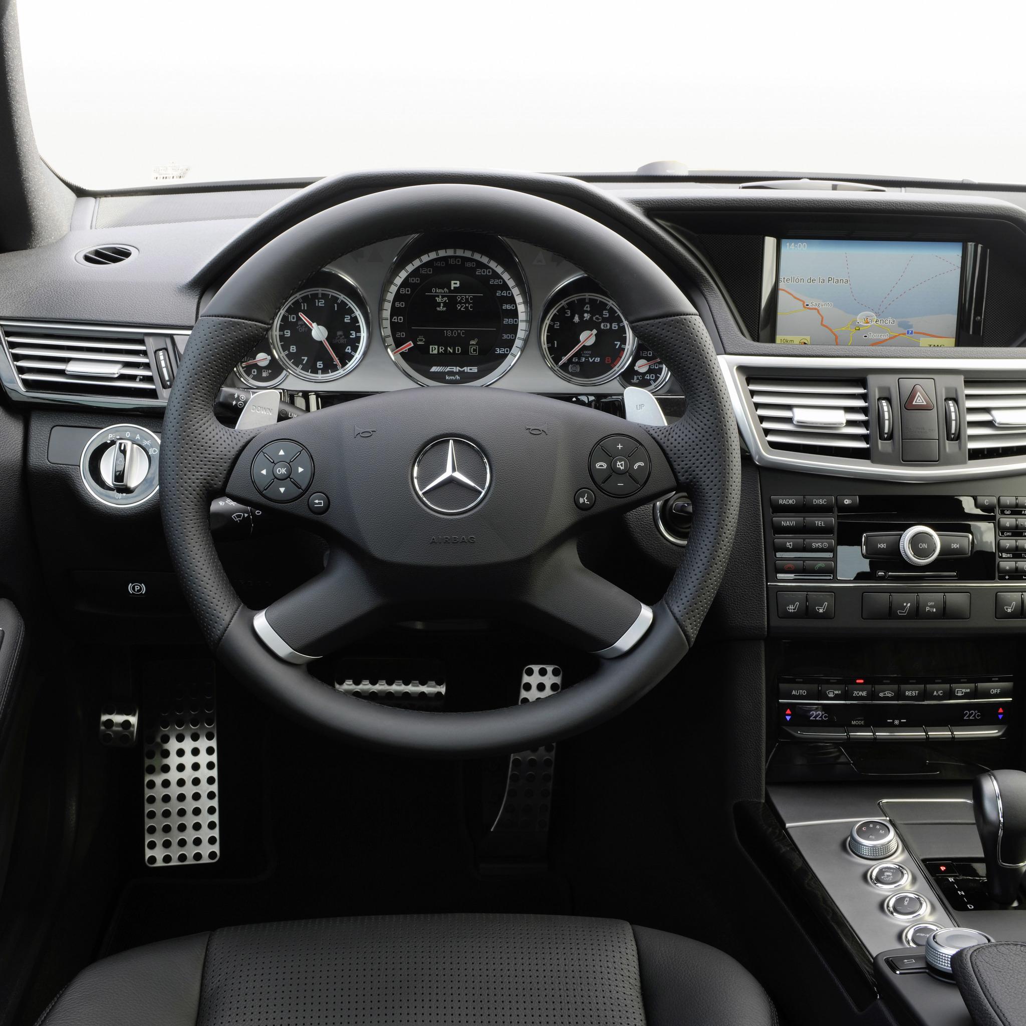 Как войти в инженерное меню головного устройства Comand на Mercedes E-Class (W212) фото