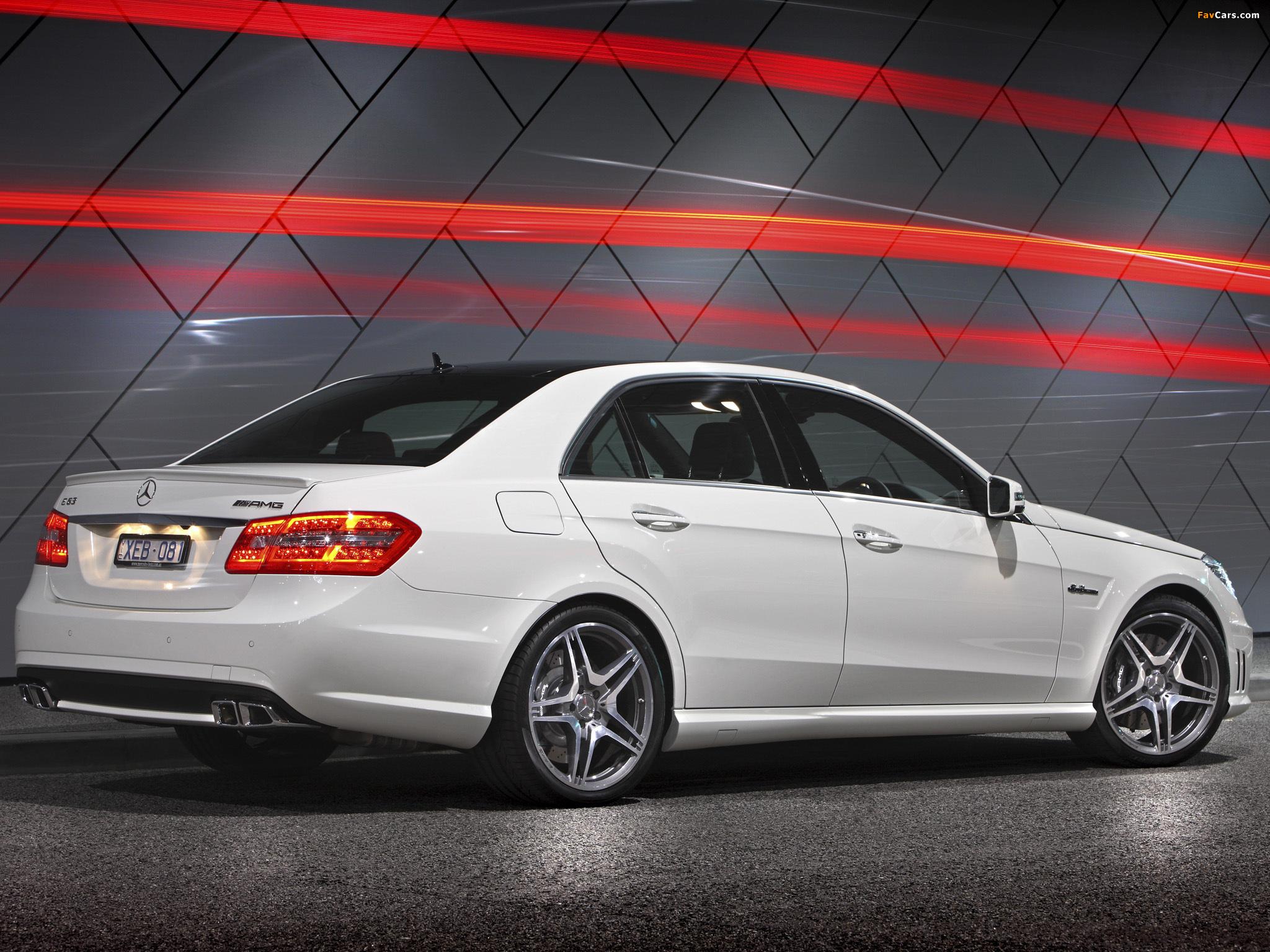 Как настроить парковочное положение правого зеркала на Mercedes E-Class (W212)