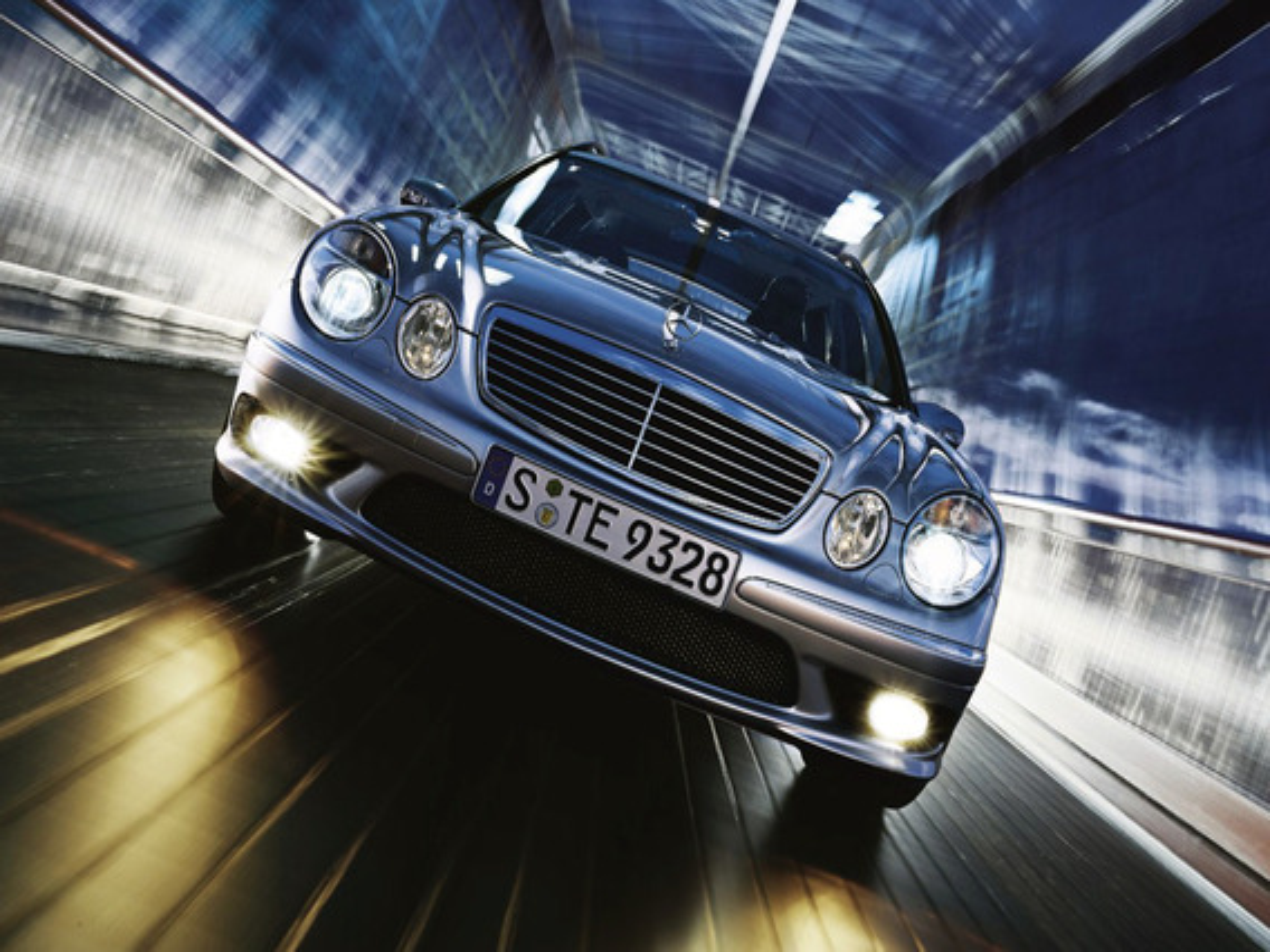 Как заменить лампы дальнего света в Mercedes E-Class (W211)