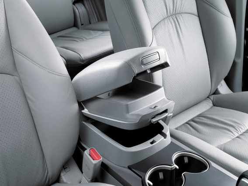 Самостоятельная установка подлокотника на Ford Focus 3