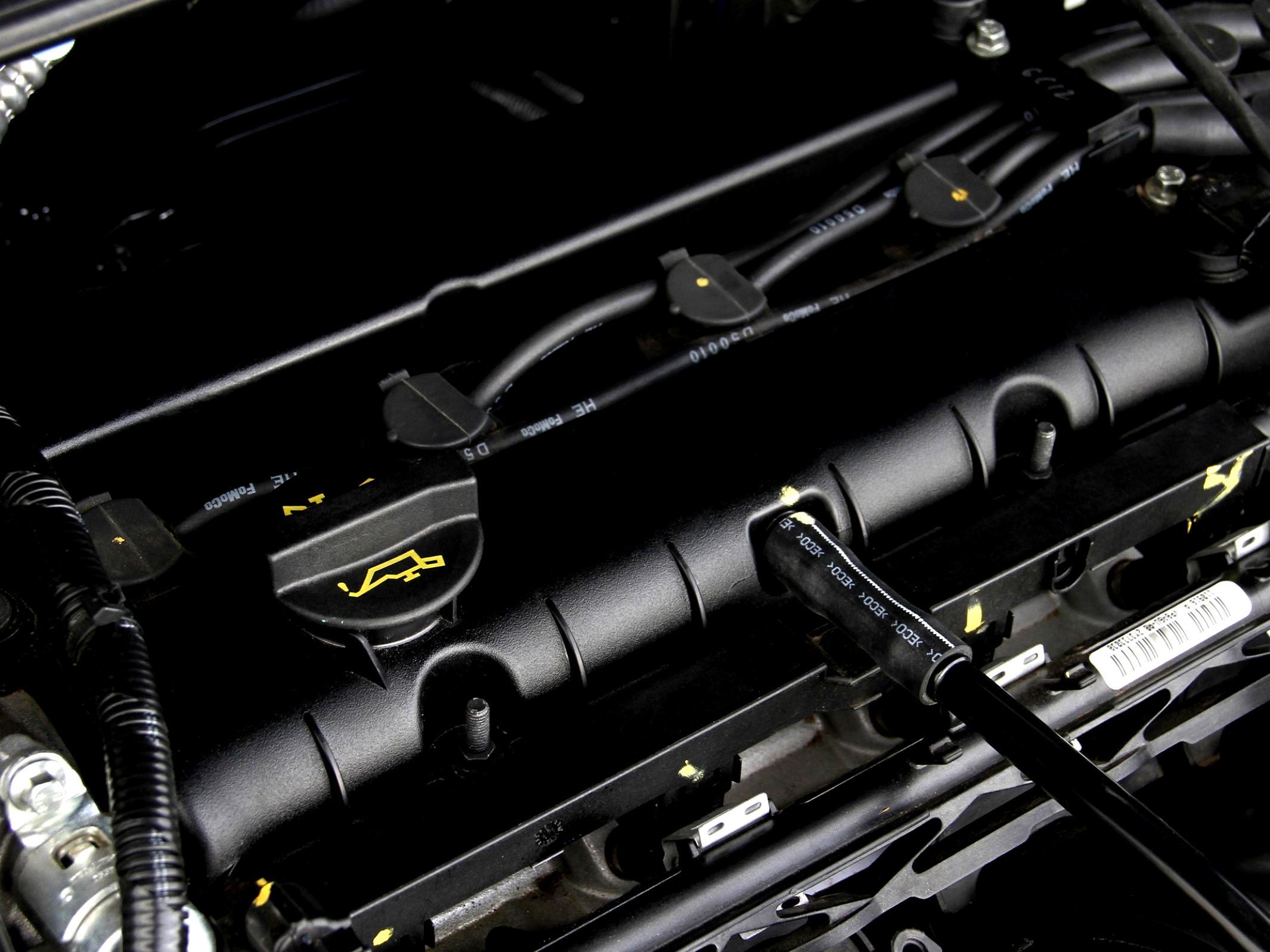 Установка пластиковой крышки на мотор 1.6 Ford Focus 3