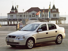 Opel Astra G 1998-2004 седан 4