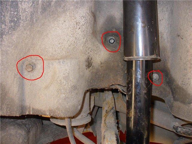 Замена задних амортизаторов на Audi 100 C4