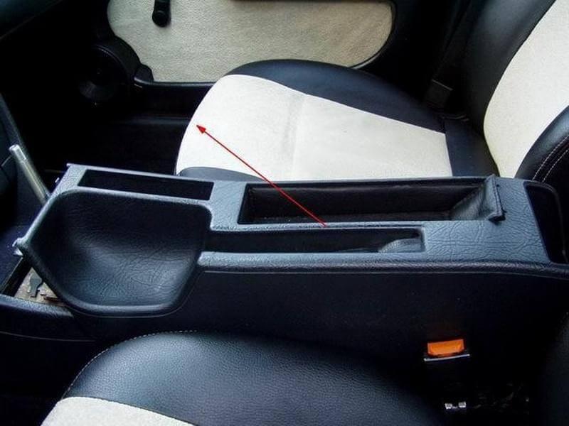Снятие передних сидений на Audi 100 C4