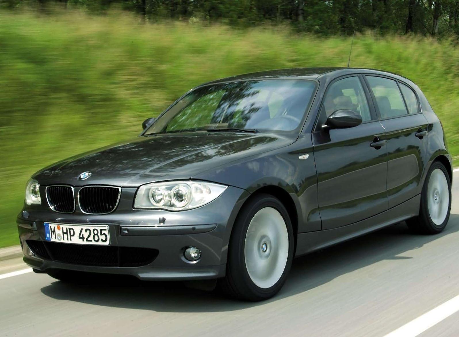 Замена лампы в противотуманной фаре BMW 1-Series Е87