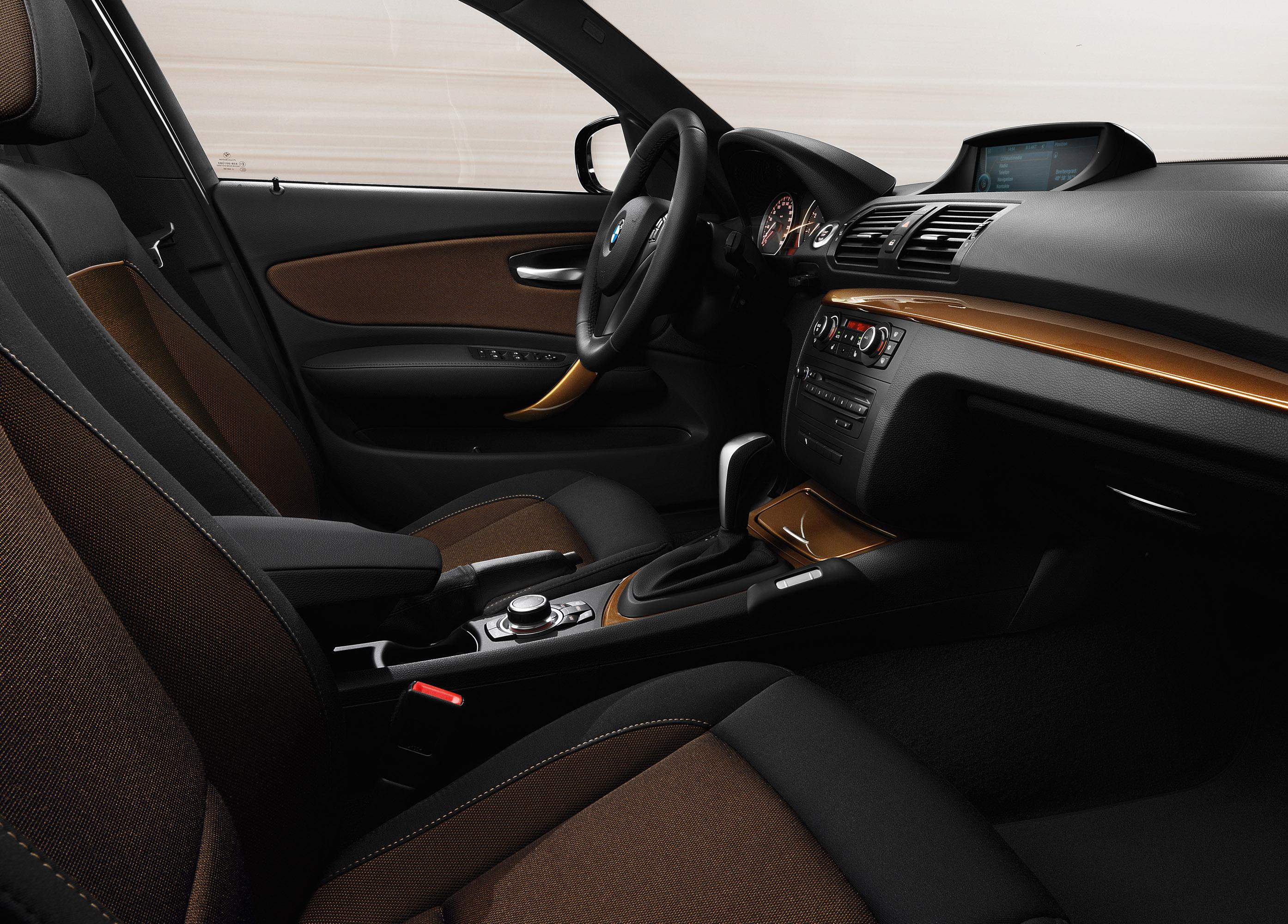 Установка 2-din магнитолы на BMW 1-Series Е87