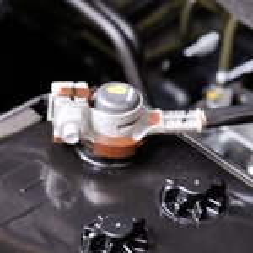 Отпала клемма аккумулятора на BMW 1-Series Е87 фото